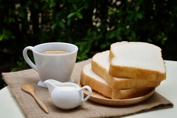 bread-coffee-food-breakfast-161430